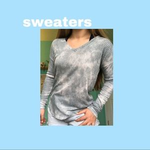 Sweaters - AEO v neck sweater, soft and sexy, ribbed